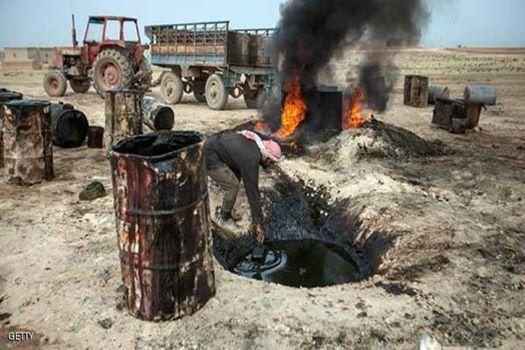 Les puits de pétrole dans le nord syrien sous la domination de Daech